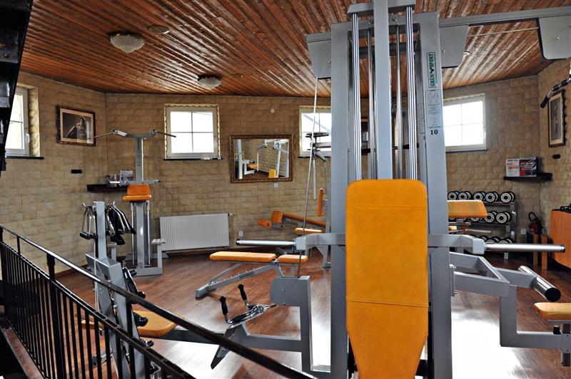 a79e8368523 SPORTOVNÍ CENTRUM - TORNÁDO SPORT MOST - Fitness pro ženy